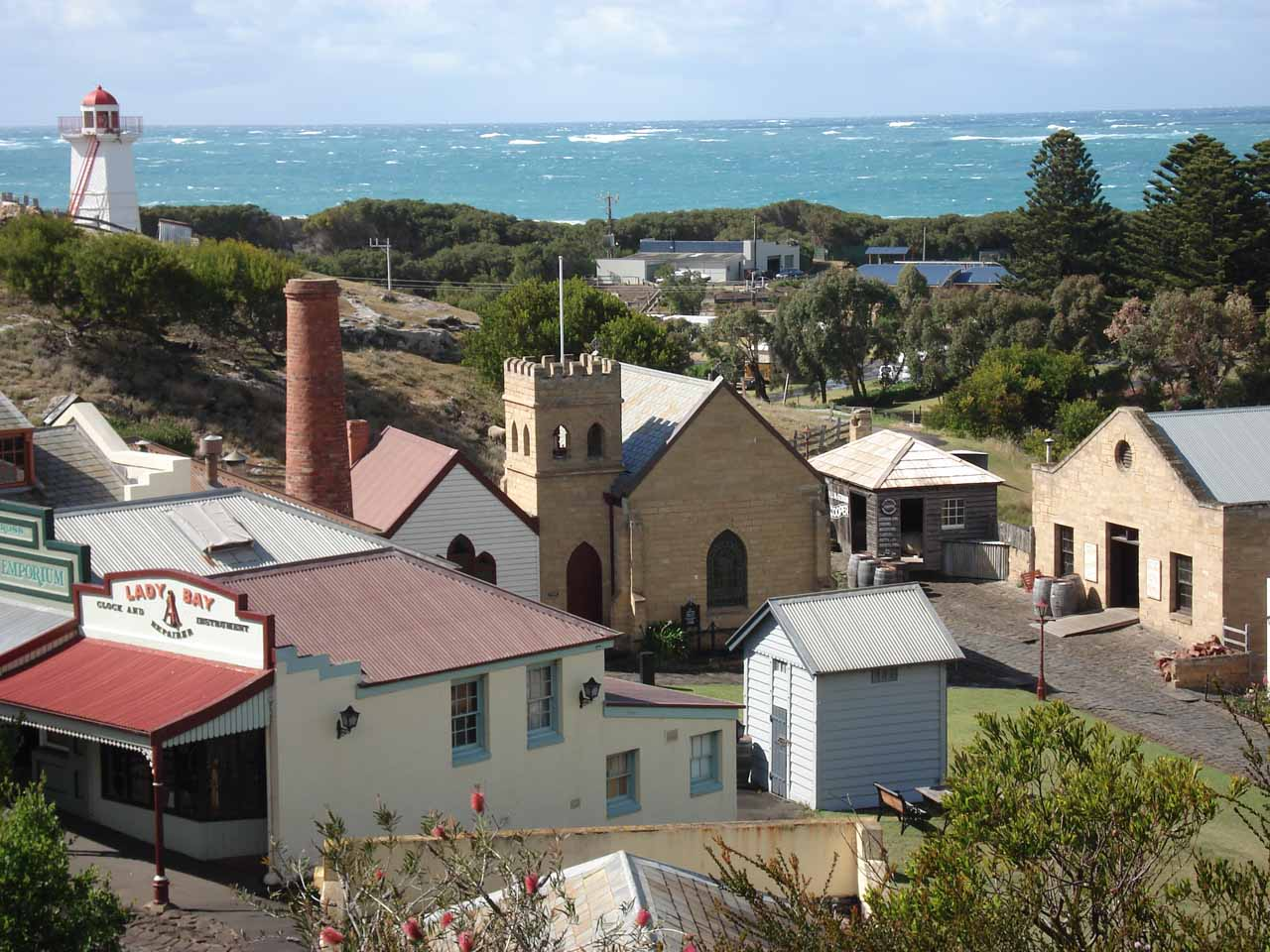 After waterfalling in the South Grampians Shire, we continued south to the Great Ocean Road starting with a visit to the coastal town of Warnambool