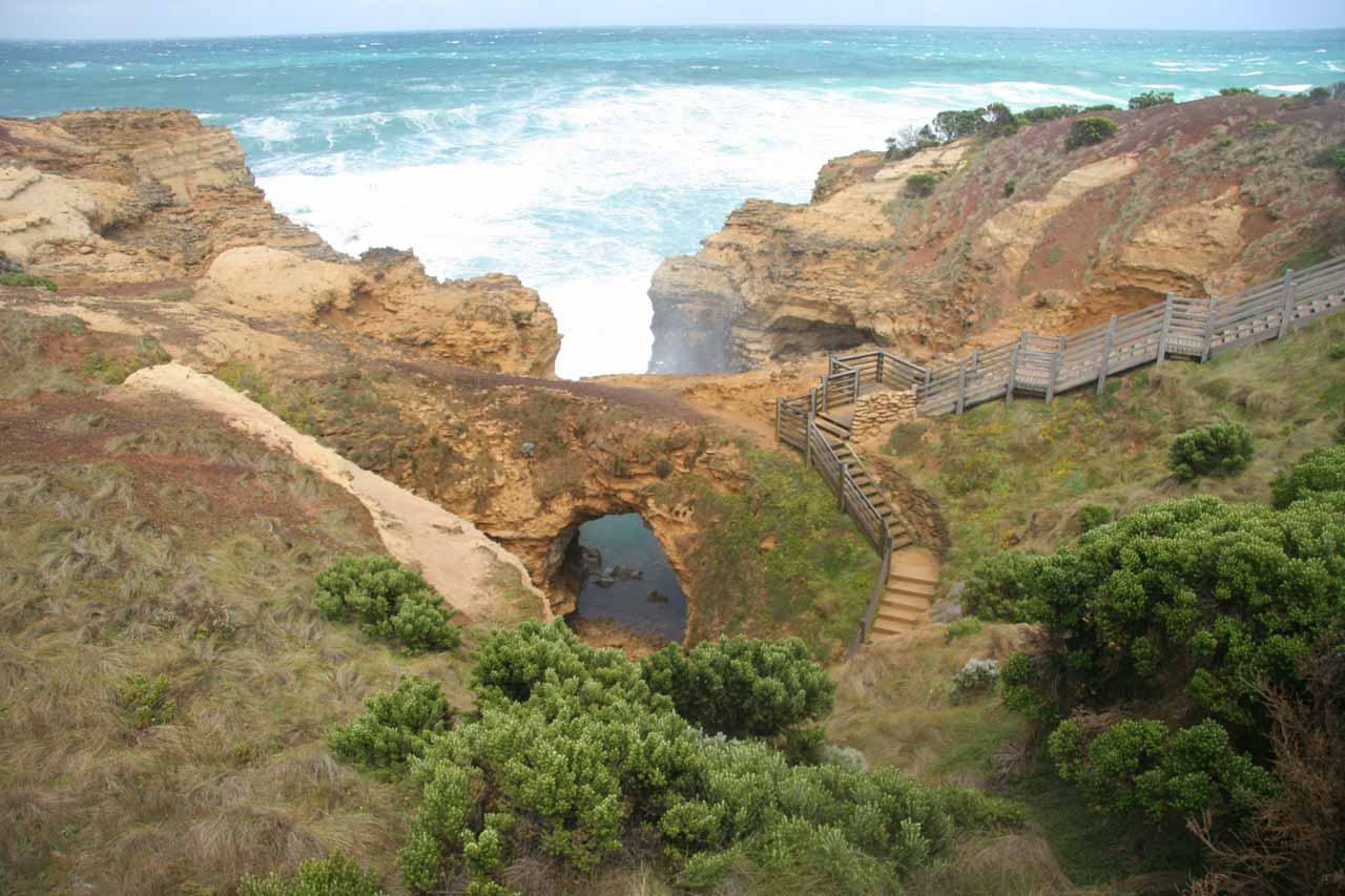 About 13km west of the Twelve Apostles was an area known as the Grotto which featured a pretty accessible large sea arch