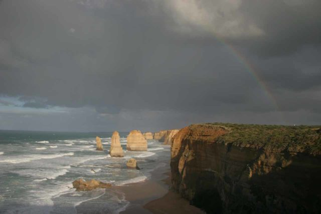 Great_Ocean_Road_435_11152006 - Morning rainbow over the Twelve Apostles