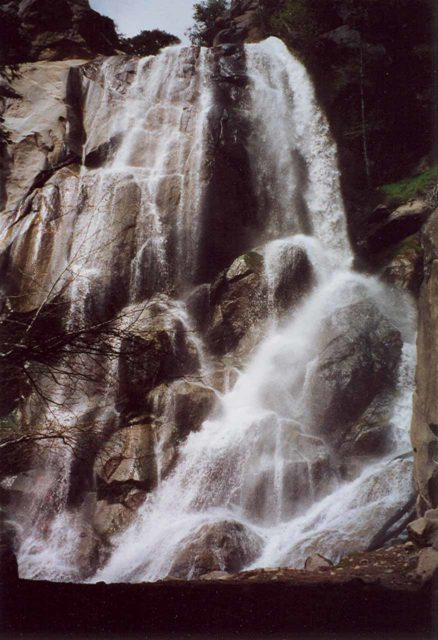 Grizzly_Falls_002_scanned_04272002