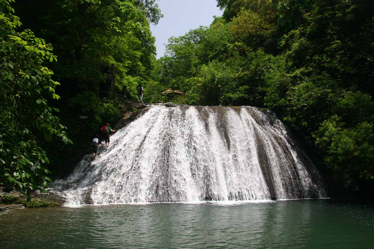 One of the more attractive middle-tiered Gudong Waterfalls