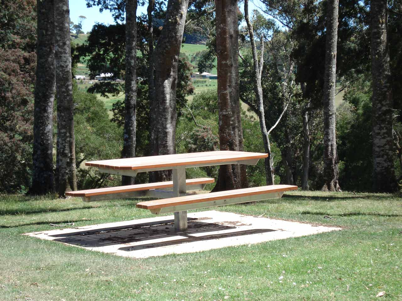 One of a handful of picnic tables near the main lookout for Guide Falls illustrating that this was also a nice place for a picnic