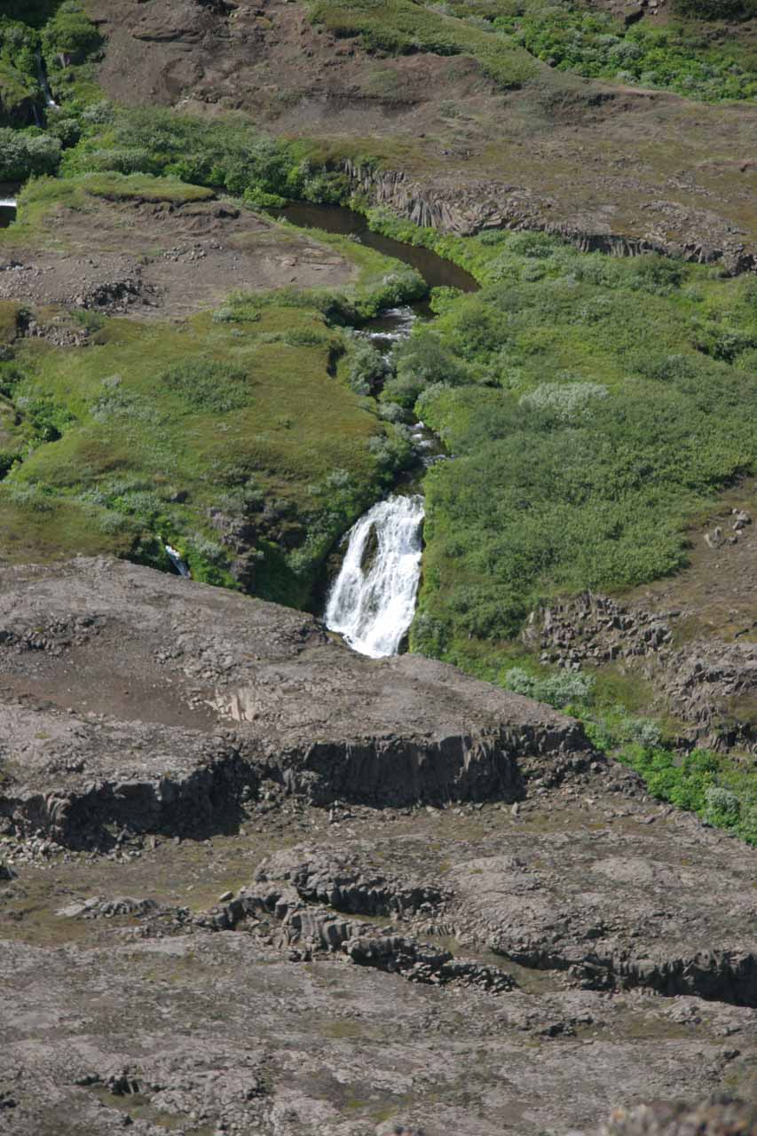 Zoomed in look at one of the smaller waterfalls downstream of Hafragilsfoss