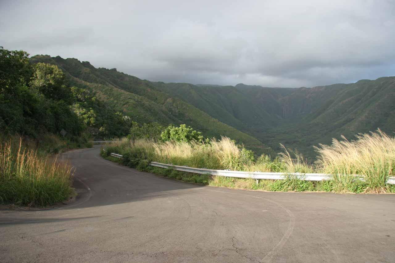 Road descending into Halawa Valley