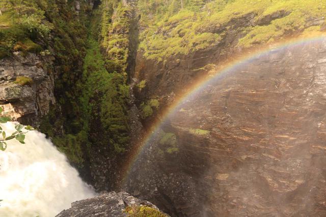 Hallingsafallet_074_07112019 - The brink of Hällingsåfallet with mist producing a nice bold morning rainbow