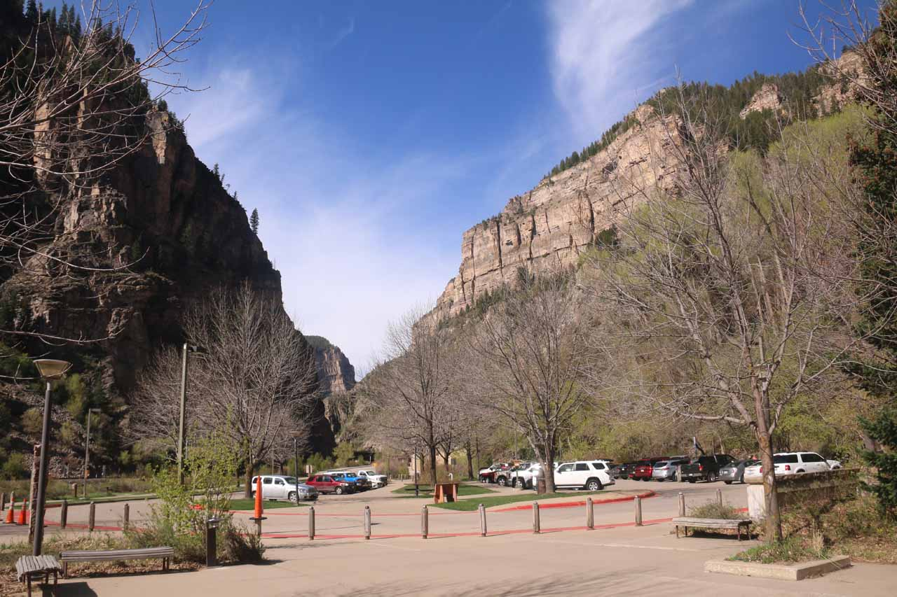 The parking lot at the Hanging Lake Rest Area