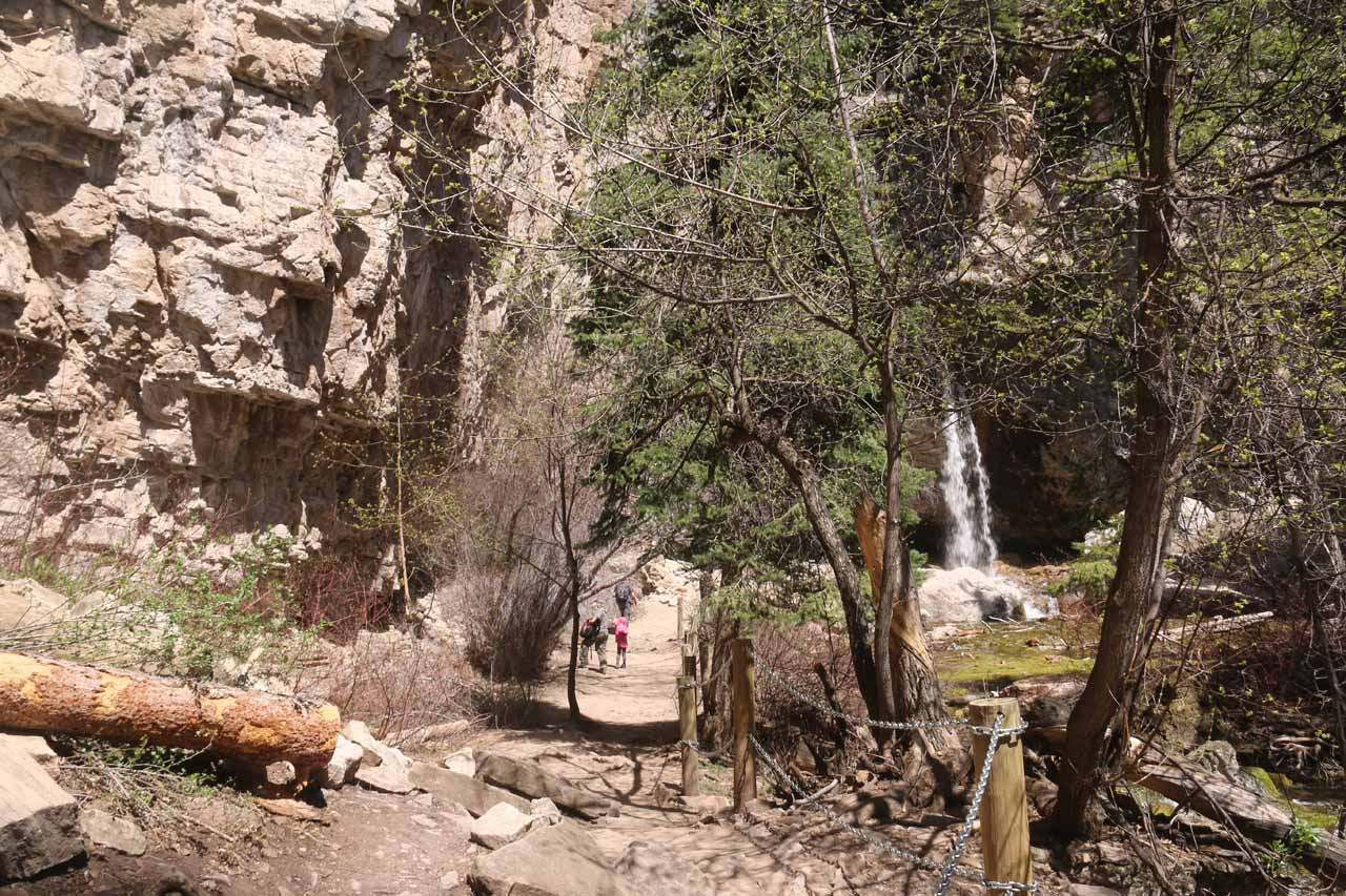 Approaching the impressive Spouting Rock Waterfall