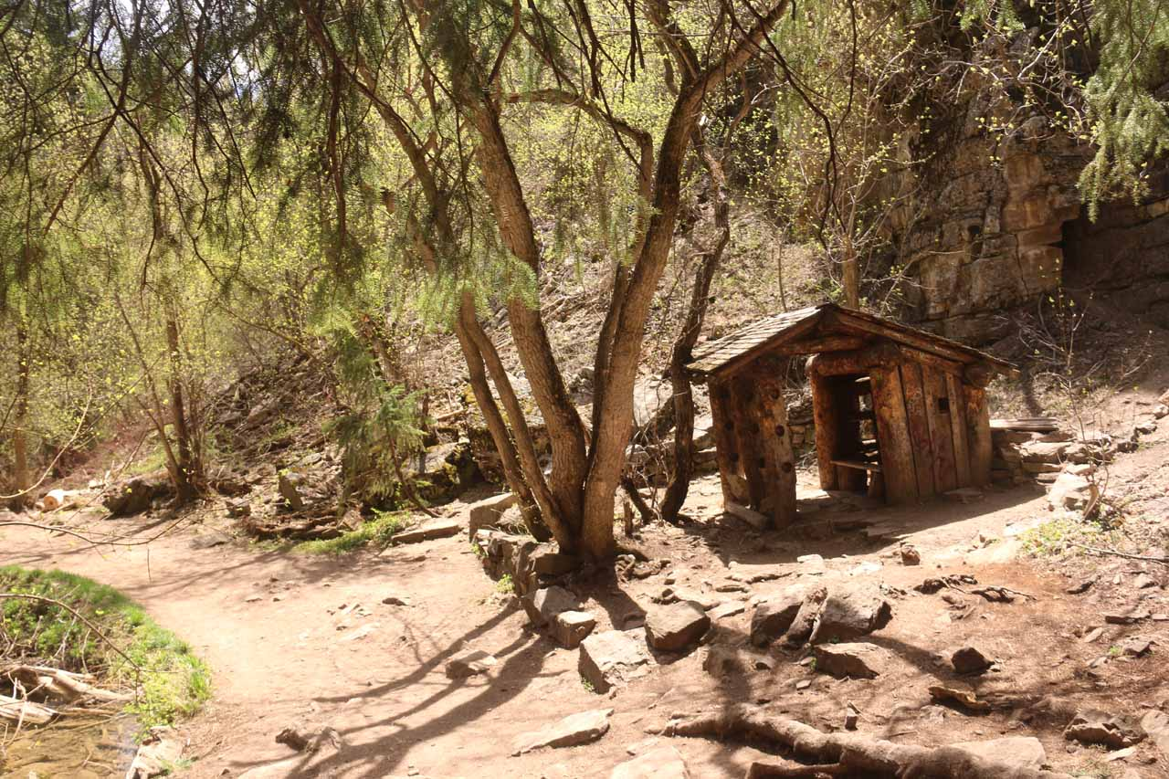 Looking back at the shelter along the Hanging Lake Trail