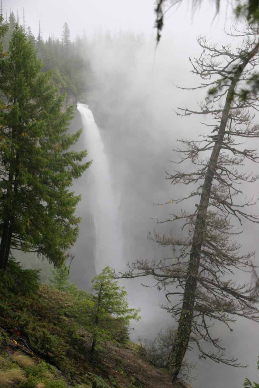 This was the state Helmcken Falls was in when we finally decided to leave