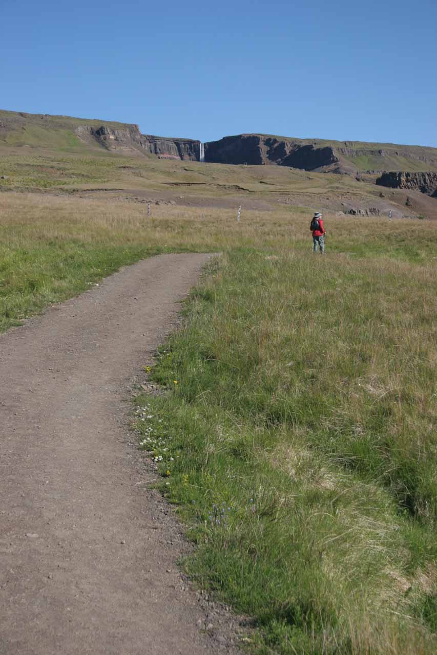 Julie further up the trail with Hengifoss still seen