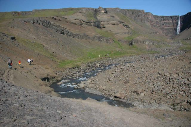 Hengifoss_102_07012007 - People continuing past a very eroded part of the trail leading 1km to the base of Hengifoss. I'm still kicking myself for foolishly deciding not to continue
