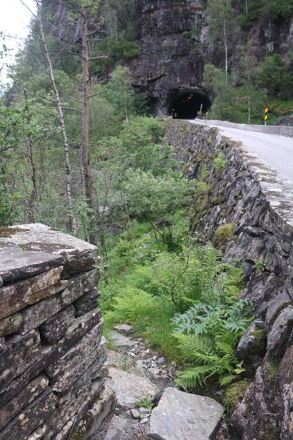Hesjedalsfossen_019_06282019 - Looking ahead at the road tunnel between Hesjedalsfossen and Eidslandet