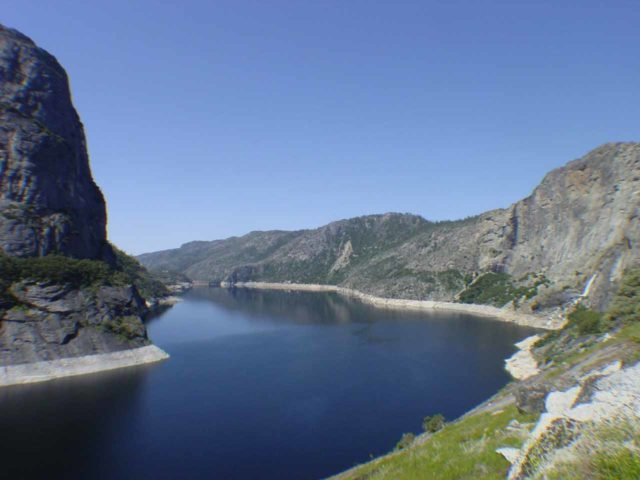 Hetch_Hetchy_hike_067_04242004