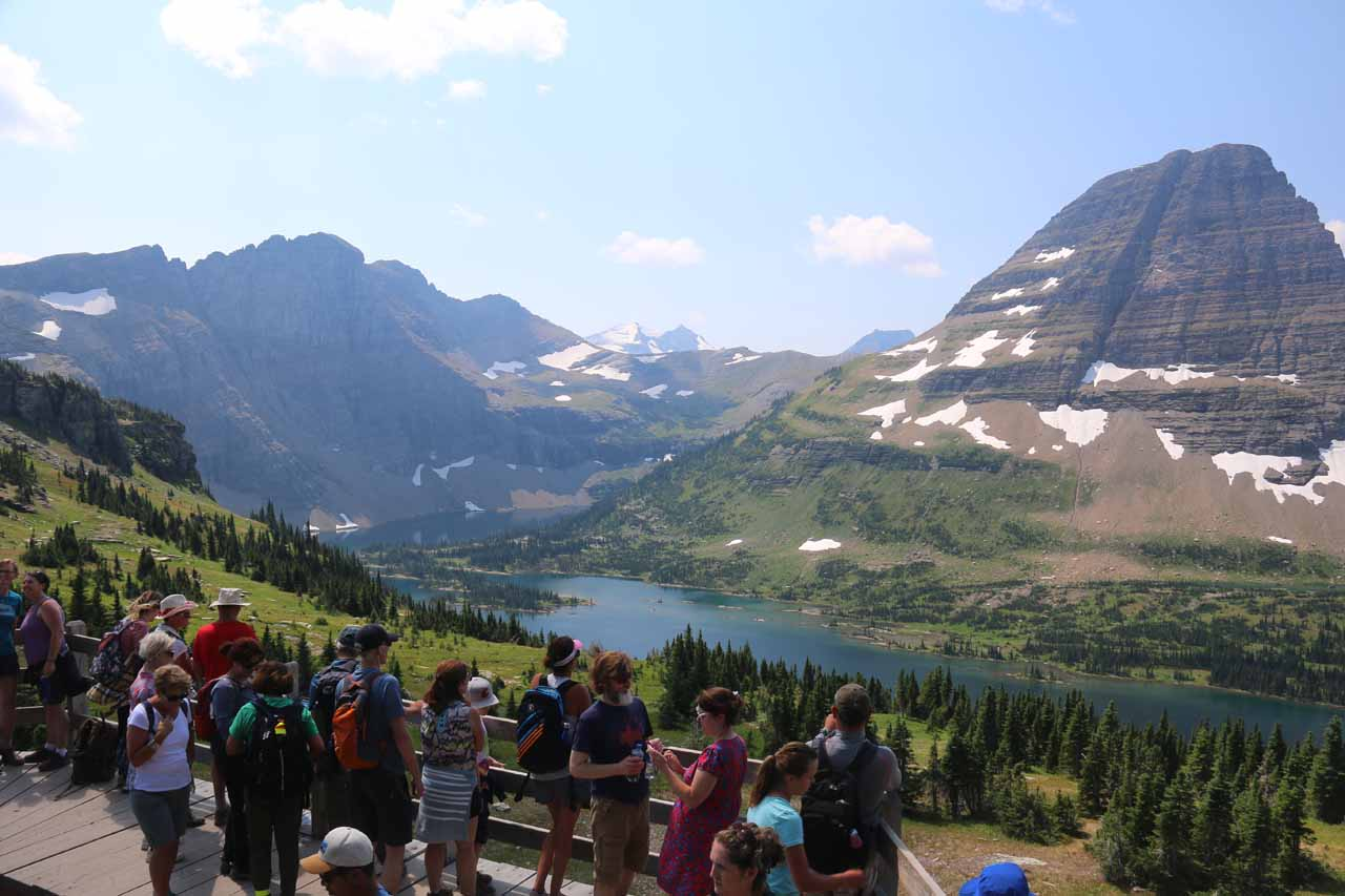 As you can see in this photo, the Hidden Lake Overlook was quite busy