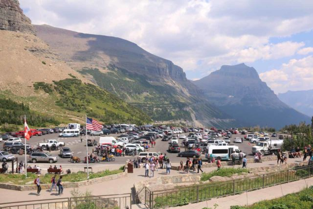 Hidden_Lake_278_08062017 - Another look back at the craziness of the Logan Pass Parking Lot