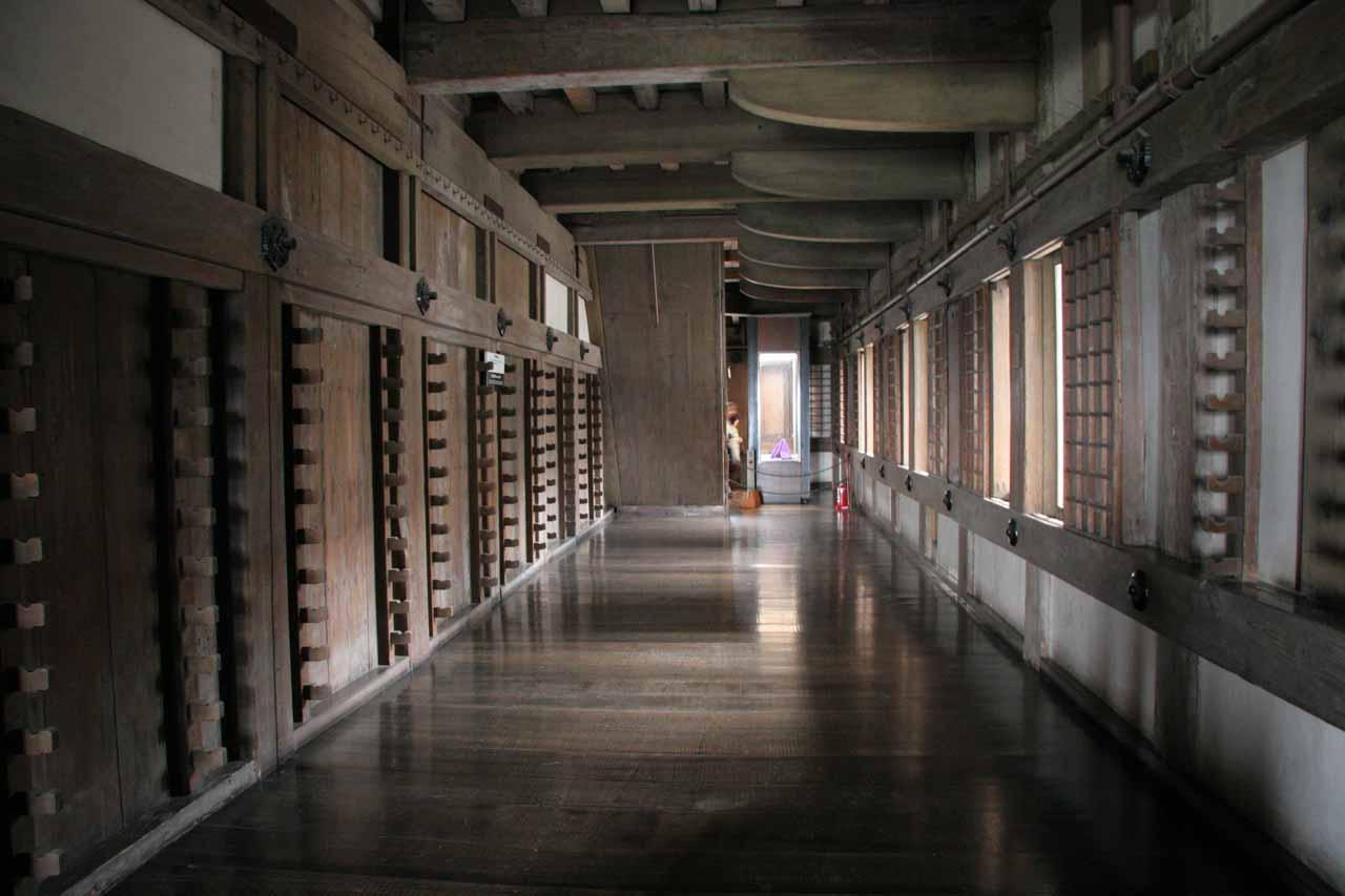 A long wooden corridor inside Himeiji-jo