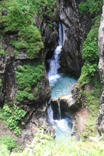Hintertux_088_07182018 - Looking into the gorge at the Schraubenfall higher up on the Wasserfallweg from Kesselfall