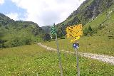 Hintertux_279_07182018 - Trail junction with the upper trail to the Schleierfall (also going up to the Tuxerjoch Haus I believe) and the Bichlalm Trail which continued to the right from this junction
