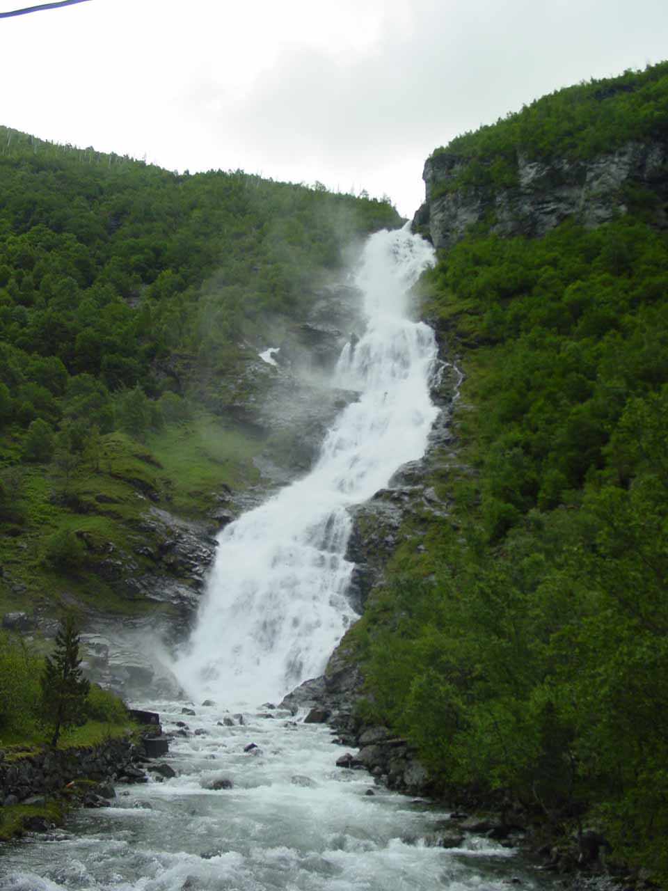 Looking directly at Hjellefossen from the road bridge, but note the annoying power line above that we were trying to avoid