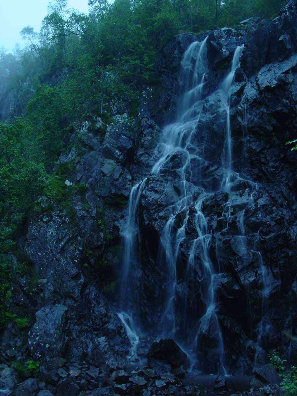 This was the fruit of my failed attempt at finding a more significant waterfall in the Hjorteland area near the moors of Suldal