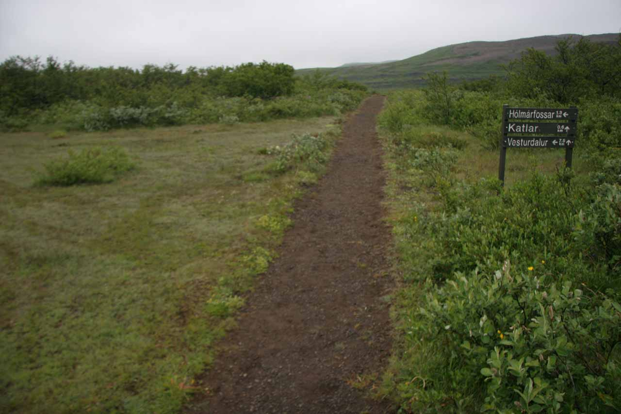 Further along the trail, here was another signposted junction.  Go straight for Katlar and Urriðafossar, go left for Hólmarfossar