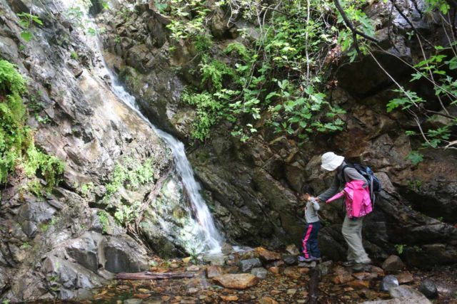 Holy_Jim_Falls_095_04102016 - Julie and Tahia walking up to the base of Holy Jim Falls in low flow