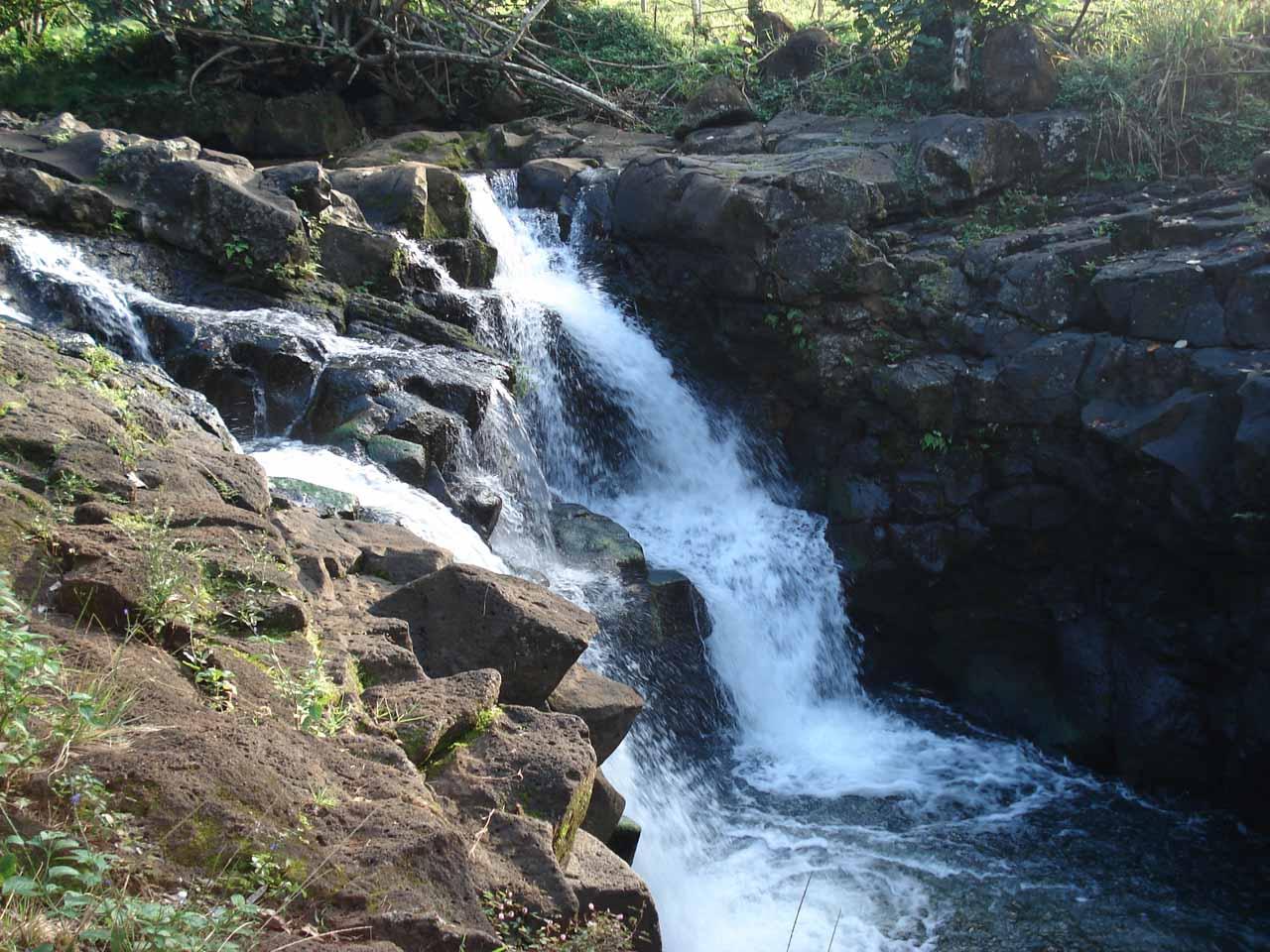 A close look at the top of the Upper Ho'opi'i Falls
