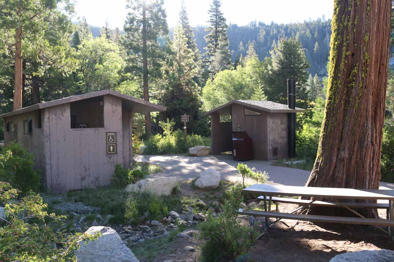 Picnic tables and restrooms were available at the Pyramid Creek Trailhead
