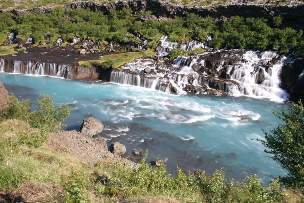 More contextual view of Hraunfossar