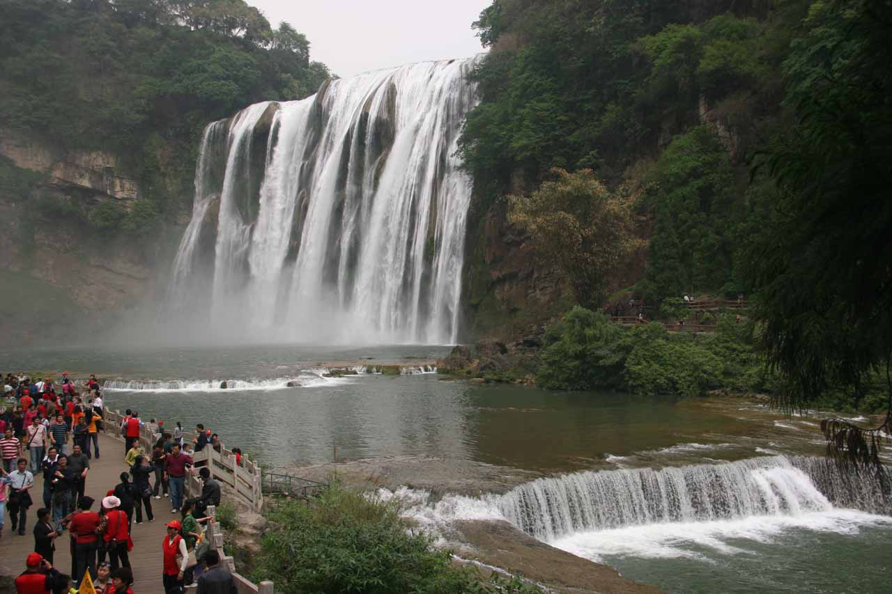 The Huangguoshu Waterfall and the crowds