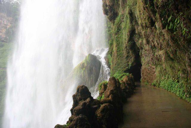 Huangguoshu_139_04262009 - The Water Curtain Cave behind the Huangguoshu Waterfall