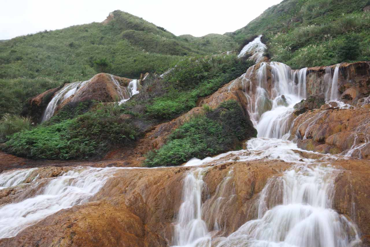 Broad look from the far side of the Huangjin Waterfall