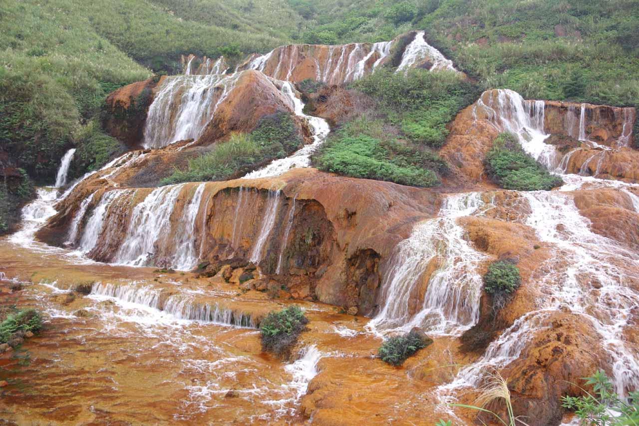 Closer look across the Huangjin Waterfall