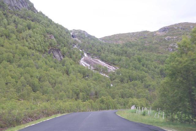 Hunnedalsvegen_033_06222019 - Attractive segmented waterfall tumbling on the Kvævebekken