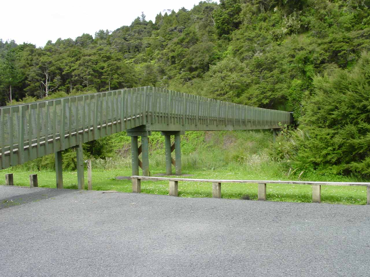 Looking at the bridge over the Hunua Stream as seen from the big car park