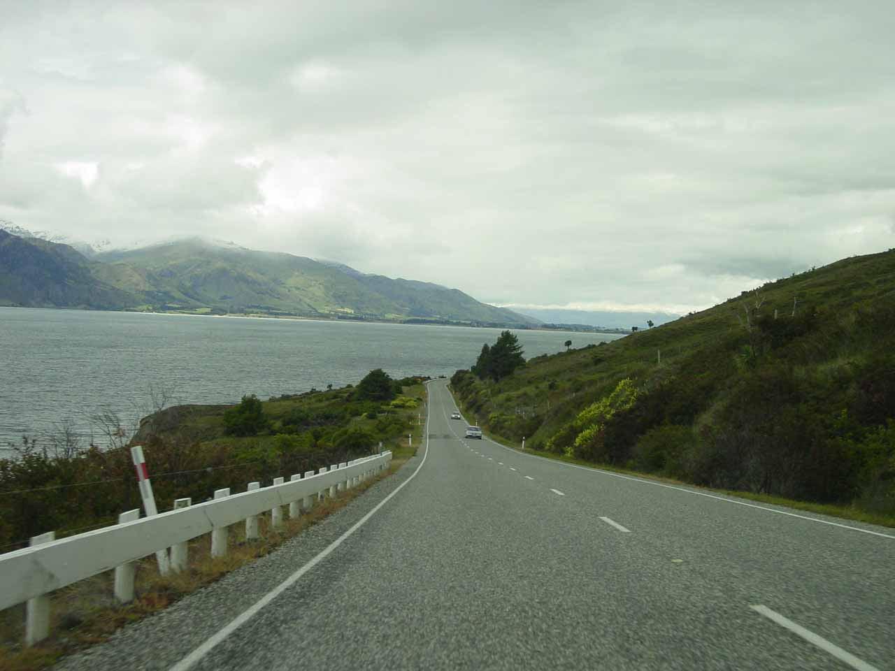 Driving by a large lake on the way to Queenstown