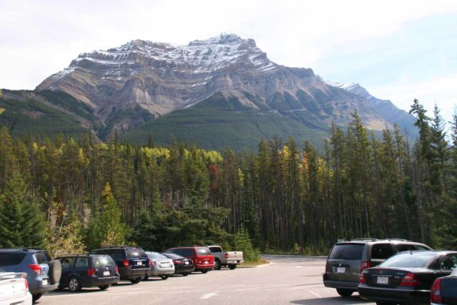 Icefields_Parkway_103_09182010 - The parking lot for the Athabasca Falls