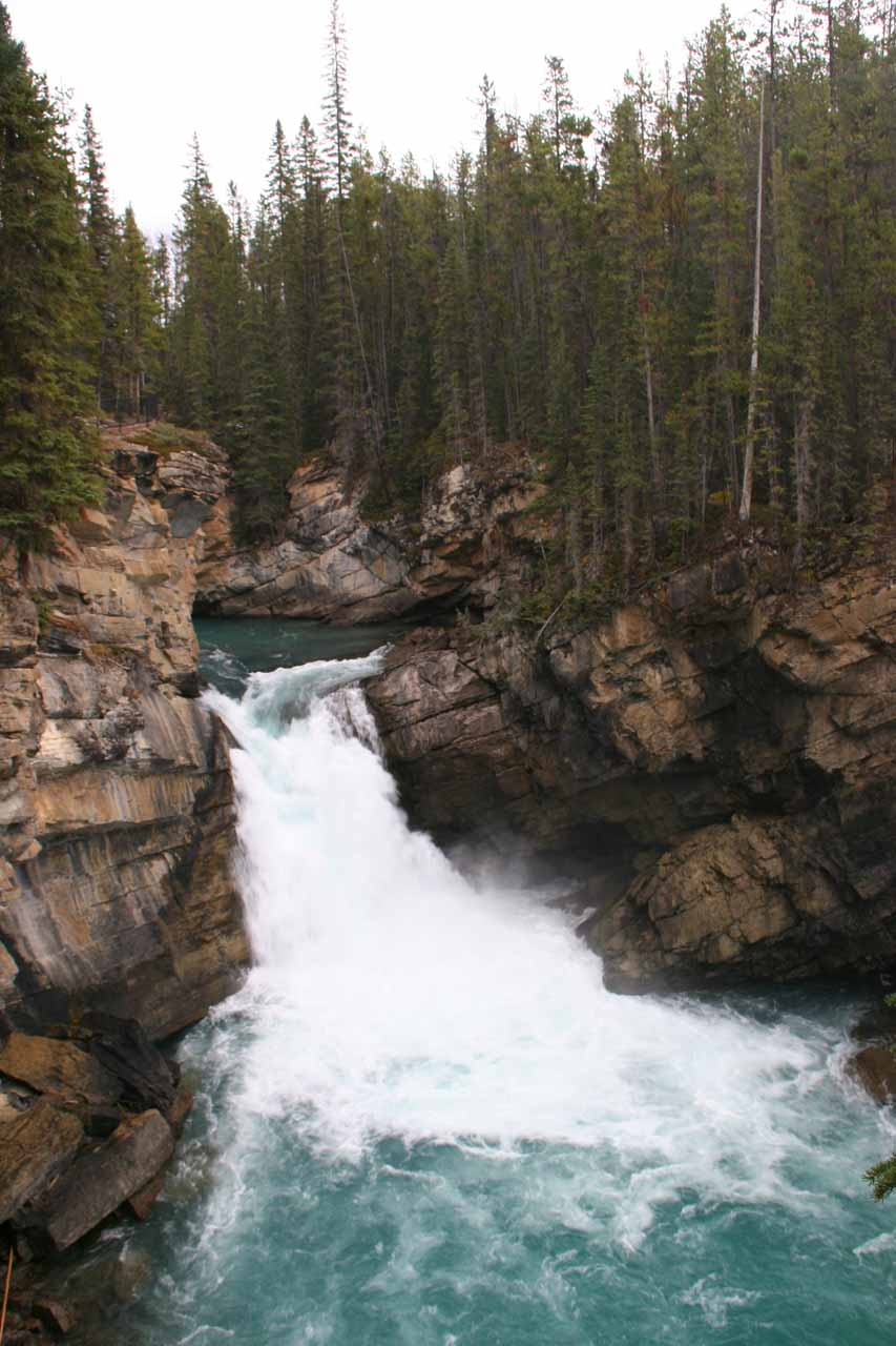 Open and more direct view of the 2nd tier of Lower Sunwapta Falls