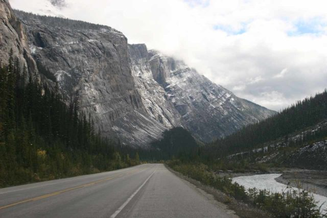 Icefields_Parkway_394_09212010