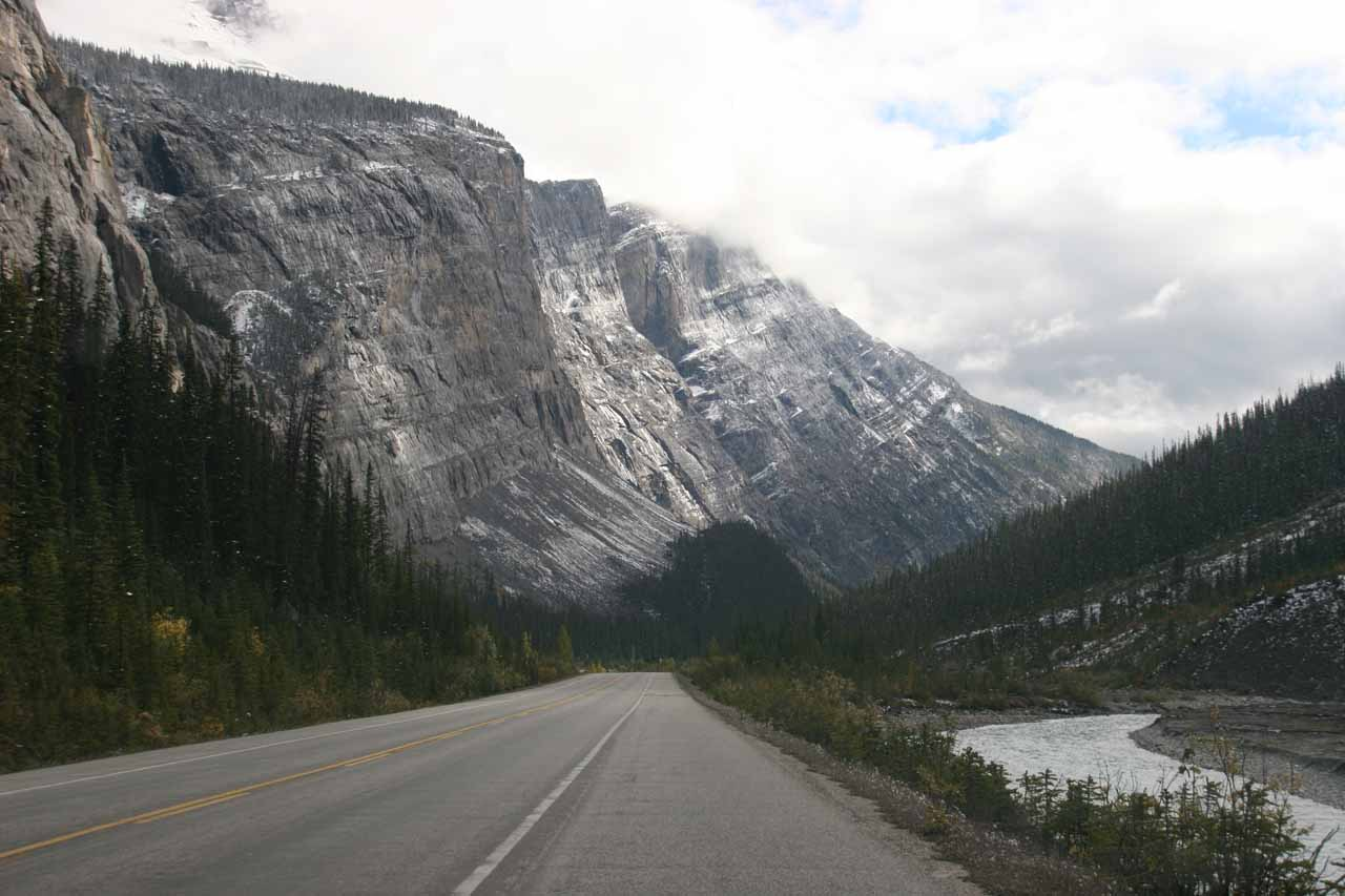 The scenery along the Icefields Parkway as we continued heading south of Sideways Falls and headed towards the Weeping Wall