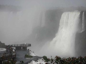 Iguazu_Falls_136_jx_09012007