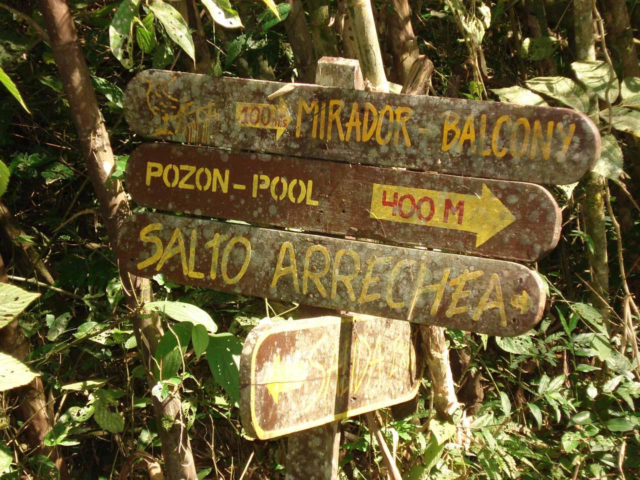 Sign pointing us towards Salto Arrechea