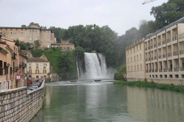 Isola_del_Liri_005_20130521 - Context of Cascata Grande - one of le Cascate del Liri (Liri Waterfalls)