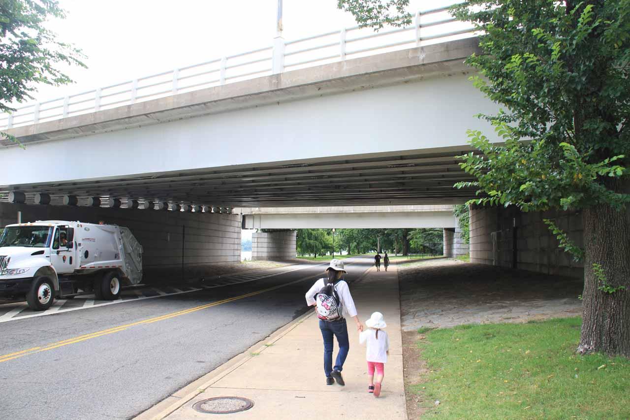 Julie and Tahia making their way beneath the bridge towards the Jefferson Memorial