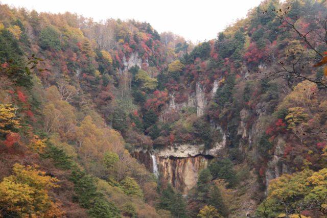 Jofu_Falls_064_10182016 - Jofu Waterfall surrounded by the koyo