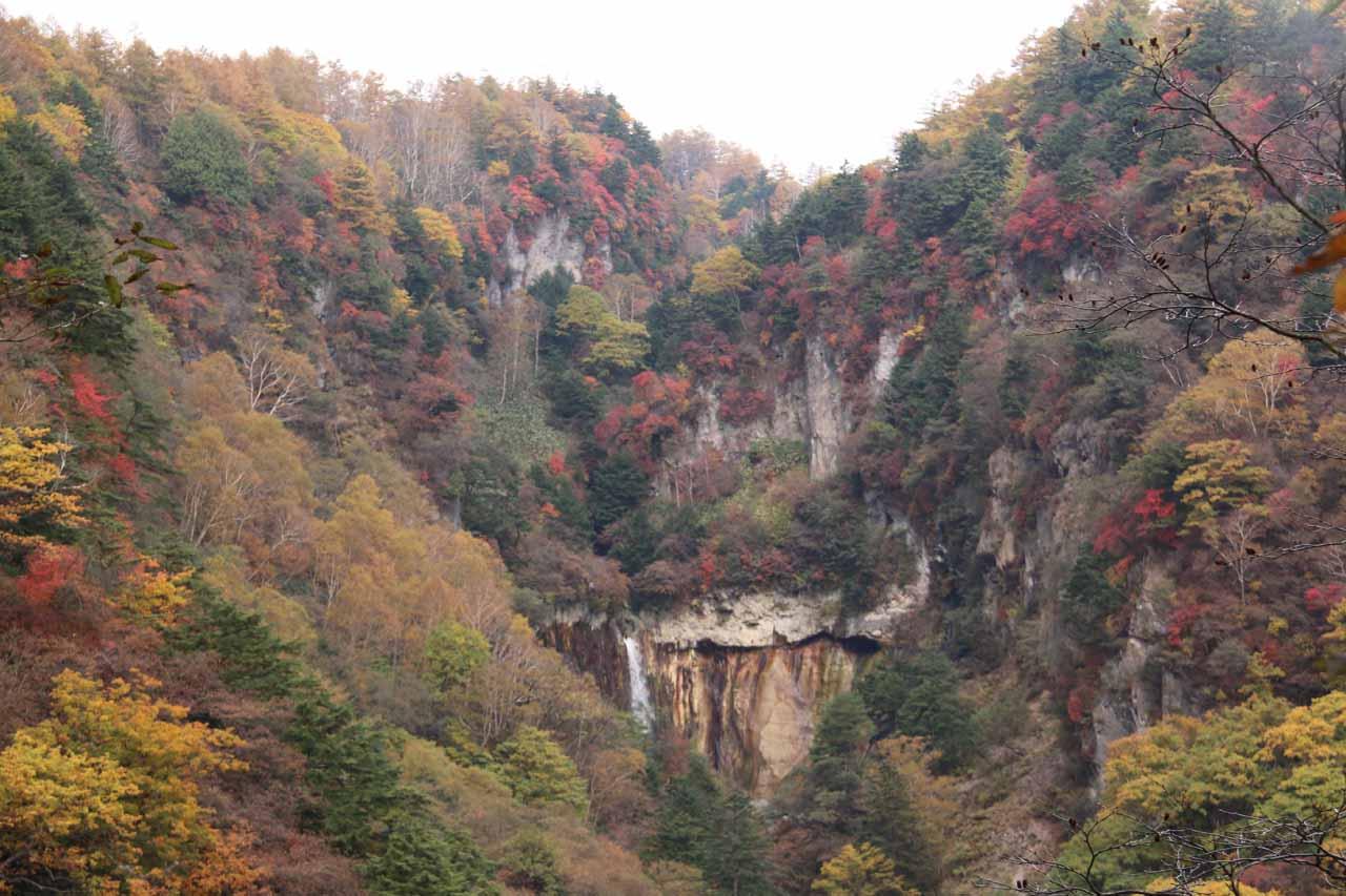 Jofu Waterfall near the peak of the koyo