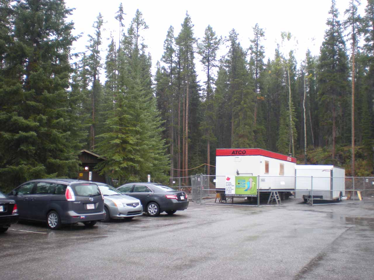 The surprisingly busy car park for Johnston Canyon