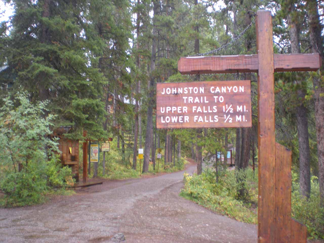 The official start of the Johnston Canyon walk