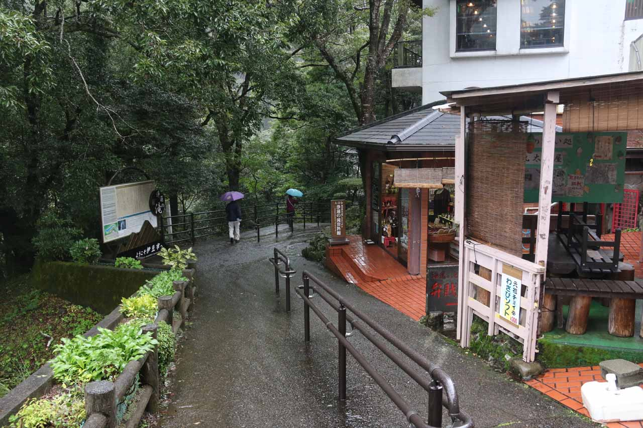 The top of the walking path to the bottom of Joren Falls started off by walking alongside a series of cafes and shops