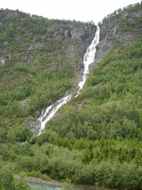 Jostedalen_004_jx_06282005 - Ryefossen in Jostedalen